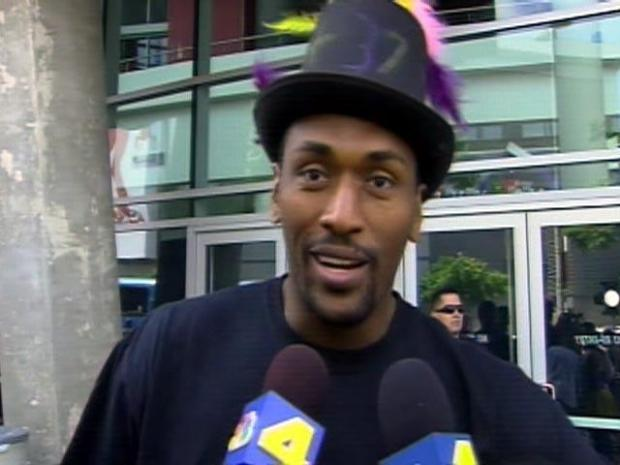 [LA] Raw Video: Ron Artest Sings During Interview