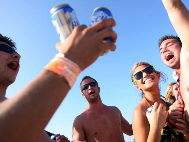[DGO] New Twist in Beach Booze Ban