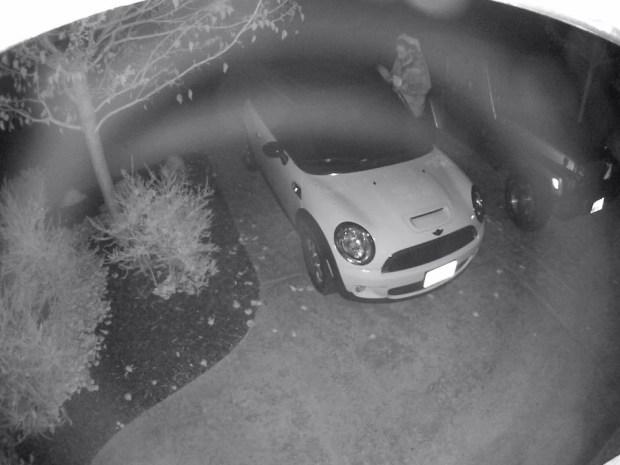 [BAY] RAW VIDEO: Suspect Breaking Into Benicia Car