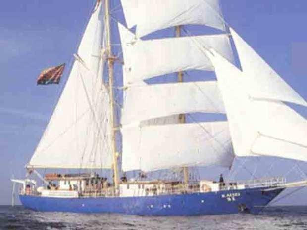 Ship Aims to Track Ocean Trash Vortex