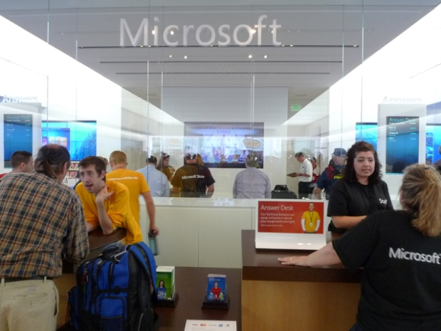 Microsoft Store Opens in San Diego