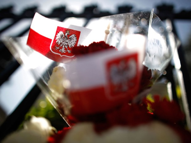 U.S. Honors Polish Plane Crash Victims