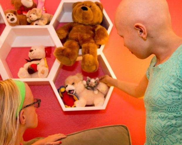PICS: Makeovers Helping Children Recover From Illnesses