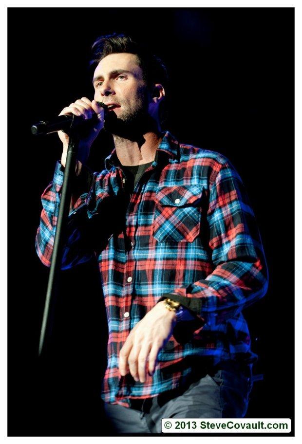 Maroon 5 Busts Moves Like Jagger