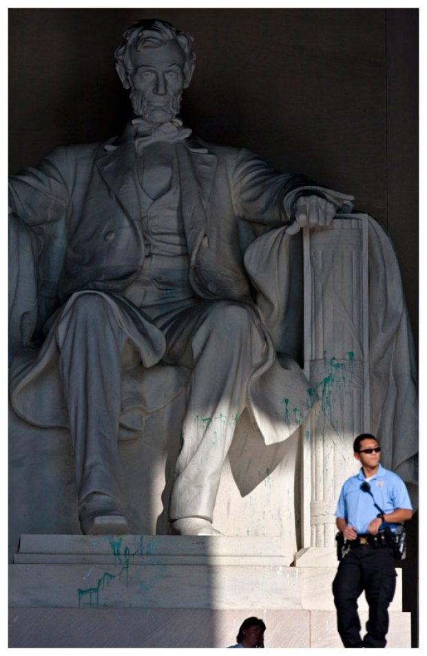 Lincoln Memorial Vandalized