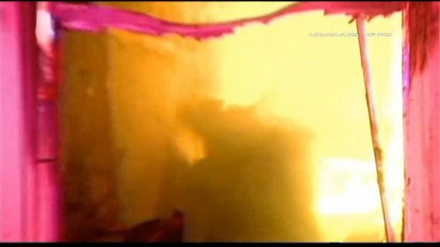 [LA] Raw Video: Fire Burns San Pedro Residential Motel