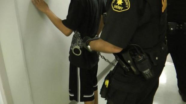 [GAL]Undercover Deputies Crack Multi-School Drug Ring