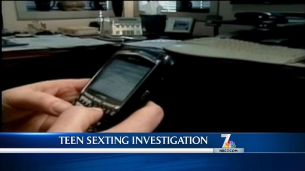 [DGO]Police Investigate Teen Sexting Ring
