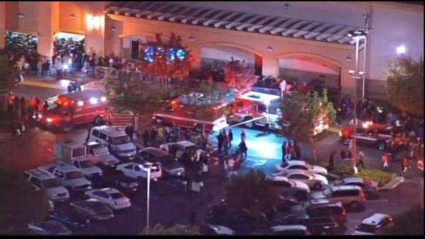 [LA] Wal-mart Black Friday Pepper Spray Incident