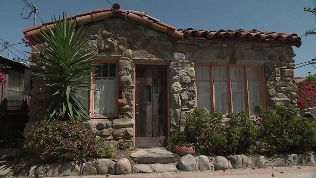 [DGO] About San Diego: Small House