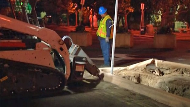 [DGO] Crews Remove Plaza de Panama Parking Lot