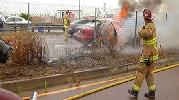 [DGO] Firefighters Make Quick Work of a Car Fire
