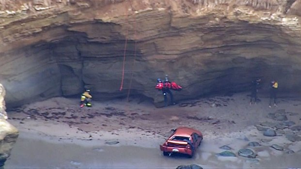 [DGO] Chopper Airlifts Man From Cliff Crash
