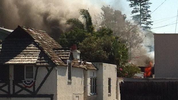 [DGO] Fire Engulfs Car, Homes in Coronado