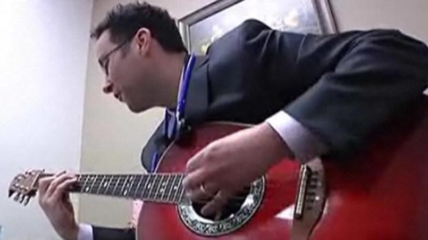 [DGO] San Diego's Singing Doctor