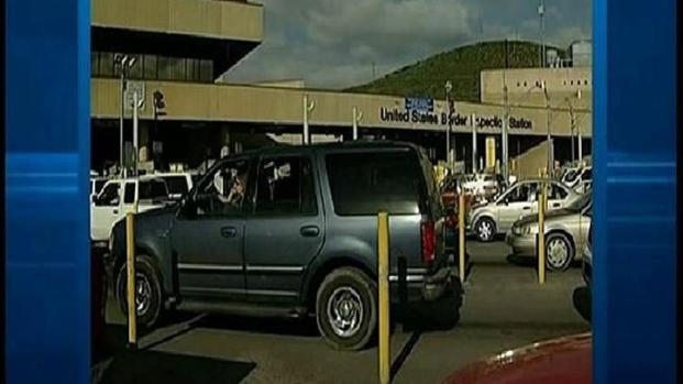 [DGO] Border Accident a Close Call for Drivers
