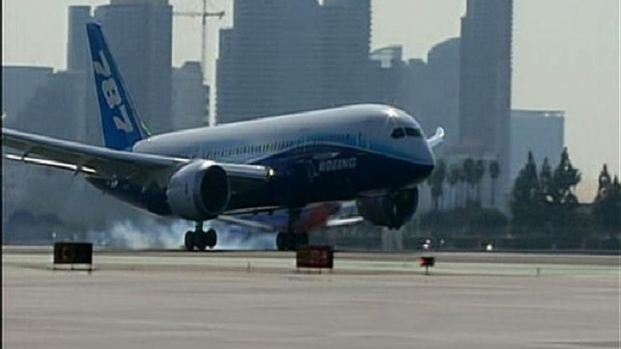 [DGO] Dreamliner Lands in San Diego