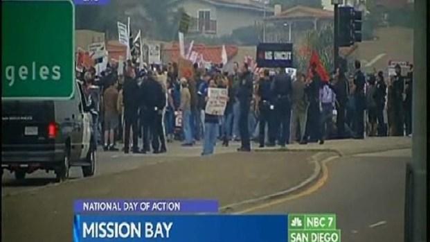 [DGO] Hundreds Occupy