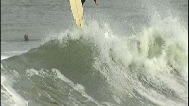 [DGO] Lifeguards Urge Caution in Big Surf