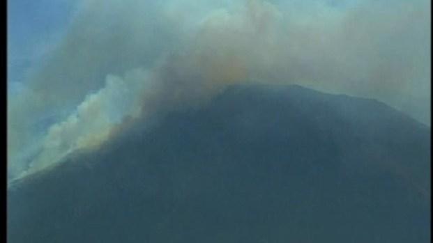 [DGO] Mexico Fire Sends Smoke, Ash into South Bay: Raw Video