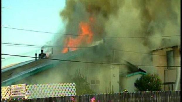 [DGO] RAW: Fire Burns La Mesa Homes