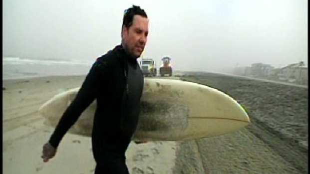 [DGO] Surfer Catches Waves Before Tsunami