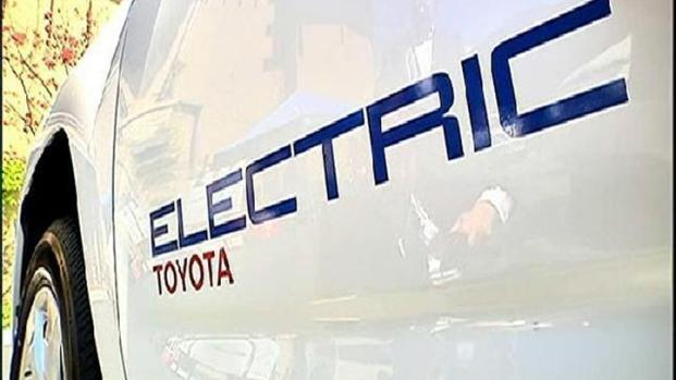 [DGO] Taking Toyota's Electric SUV for a Spin