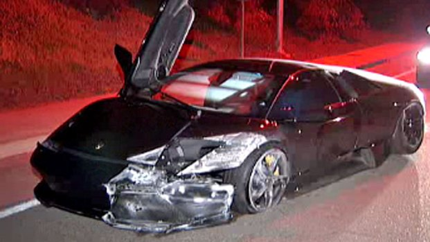 Lamborghini Crashes In La Jolla Cops Search For Driver