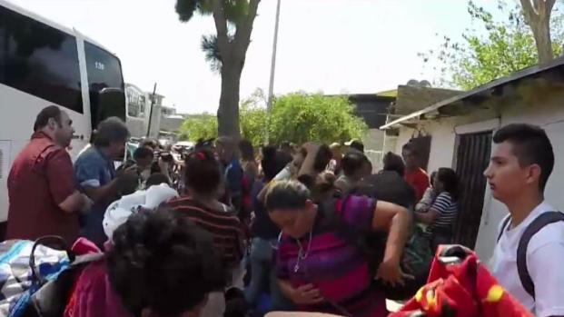 [DGO] Migrant Caravan Expected to Cross into US Sunday