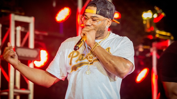 LIVE: Nelly