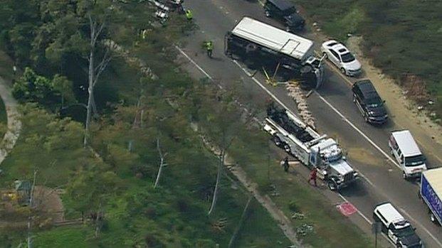 [DGO] Truck Flips, Spills Diesel Near I-805