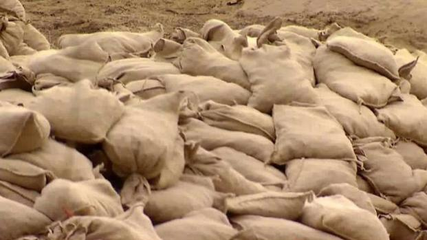 Residents in Lilac Fire Zone Prep for Possible Mudslide