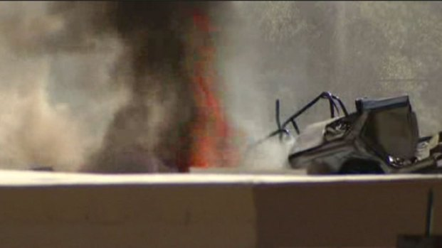 [GAL]Junkyard Fire Burning Near Propane Tanks