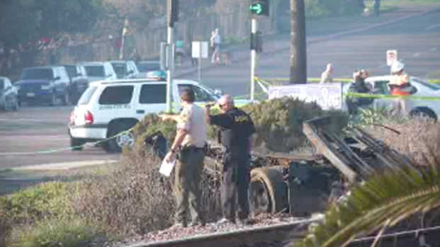 Train Slams Into Tow Truck, Kills Driver