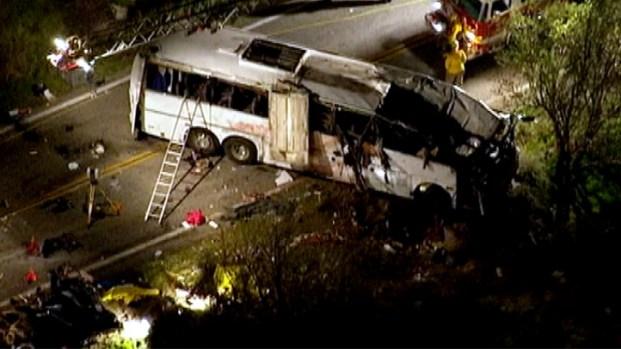 [DGO] Tour Bus Crash Kills 8 Near Big Bear