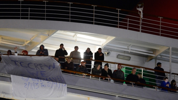 "[DFW] Passengers Cheer Escape From ""Horrible"" Cruise"