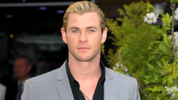 "[IVIL] ""Snow White"" Star Chris Hemsworth: Kristen Stewart Gave Me a Black Eye"