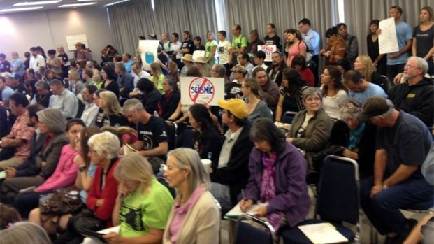 [LA] Standing Room-Only for Seismic Meeting