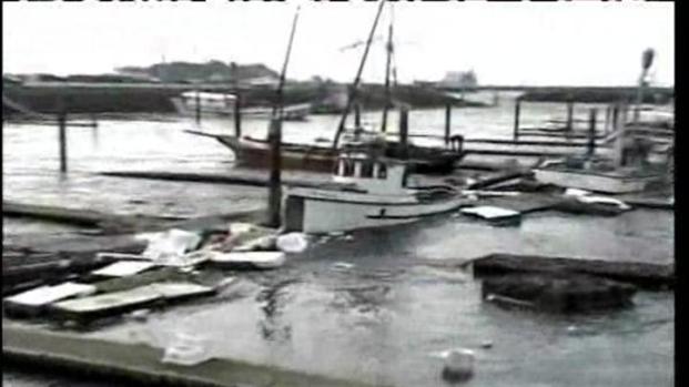 [BAY] Raw Video: Tsunami Hits Crescent City