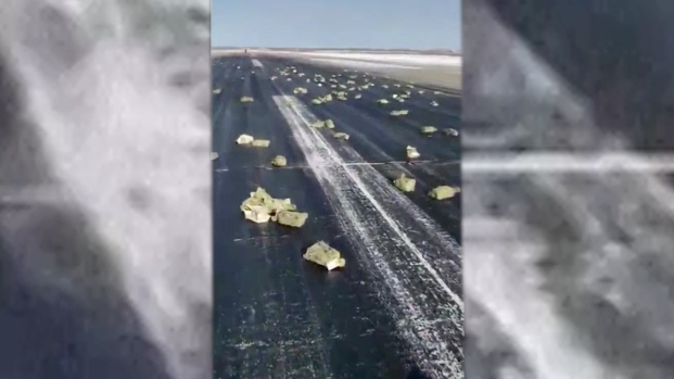 [NATL] Gold Spills From Plane on Russian Runway