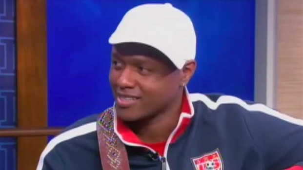 "[LXTVN] ""The Voice"" Sensation Javier Colon Sings"