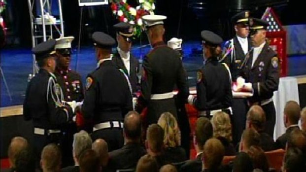 [G] San Diego Police Officer Jeremy Henwood Memorial in Images