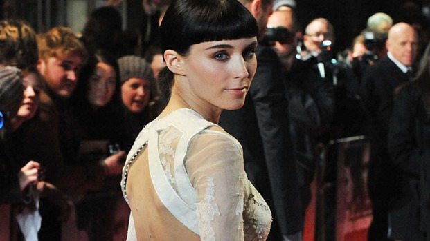 "[THREAD] Rooney Mara Wears Givenchy Couture to ""Dragon Tattoo"" World Premiere"