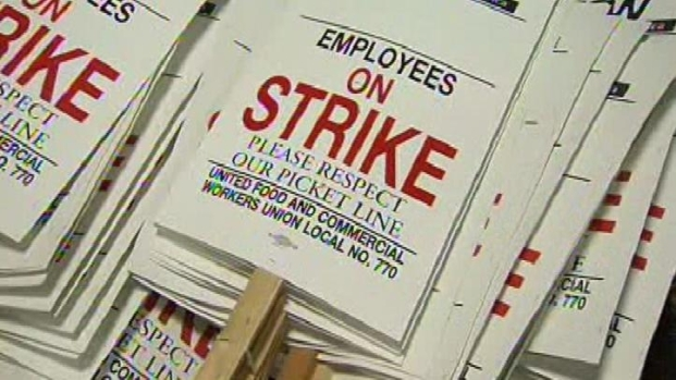 [LA] Grocery Workers Build Picket Signs as Strike Looms