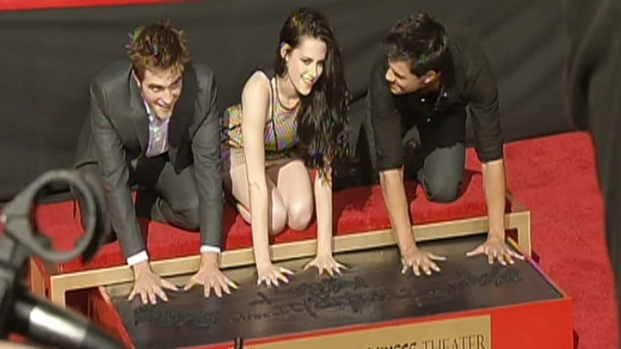 [LA] Twilight Stars Immortalized in Cement at Grauman's Chinese Theatre
