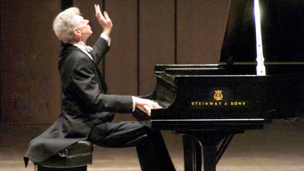 """[DFW] """"The Texan Who Conquered Russia,"""" Van Cliburn Dies at 78"""