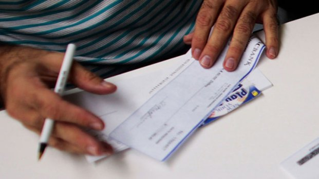 [DGO] Elderly Victims of Scam Get Money Back