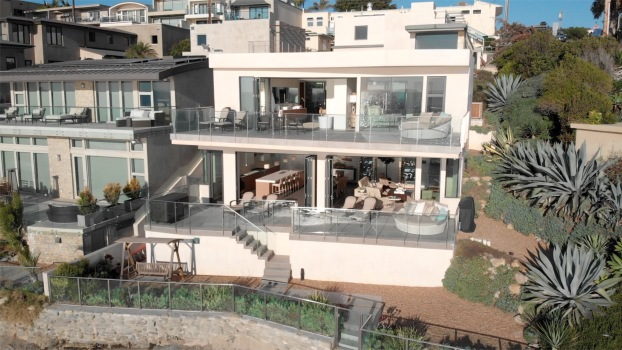Stylish Oceanfront Property in Laguna Beach
