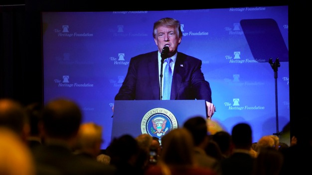 Trump Takes Tax Pitch to Conservative Think Tank