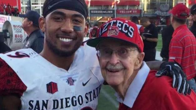 Aztecs Super Fan Dies at 91